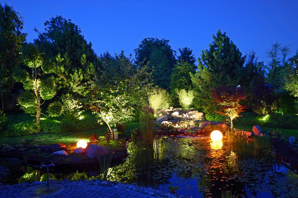 beleuchtung derloewenzahn garten und landschaftsbau in. Black Bedroom Furniture Sets. Home Design Ideas